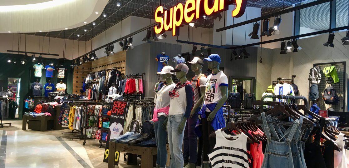 台湾のSuperDryの店舗の様子。まあまあおしゃれ